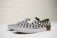 "Vans ""Gum Block"" Authentic VN0A38EMU58"