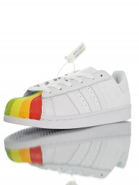 Adidas Superstar W LGBT