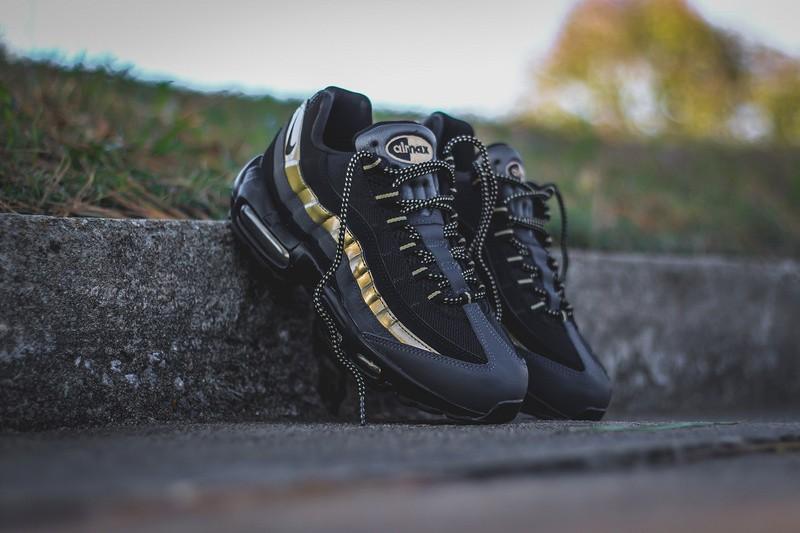 "Купить кроссовки Nike Air Max 95 Premium ""Black-Metallic Gold ... 58dcceb23ec"