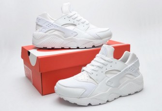 Nike Air Huarache LE Triple White